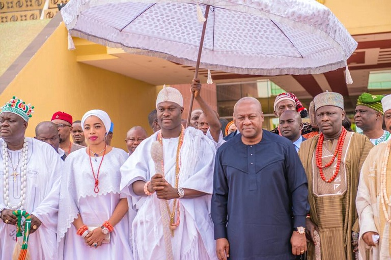 Ooni of ile ife  in Ghana, Sues for African Unity and Peace.