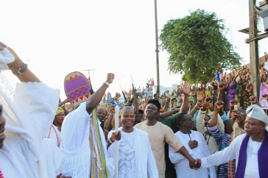 2016 Olojo Festival: Jubilation as Ooni wears Aare Crown for the first Time.