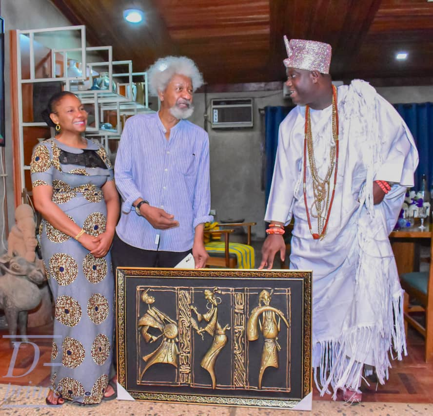 Ooni of Ife Meets holds Private Meeting with Wole Soyinka